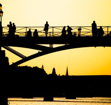 Un puente sobre el Sena en París